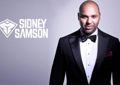 Sidney Samson in een Rietbergh smoking