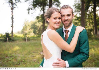 Thijs in een groen trouwpak van Rietbergh