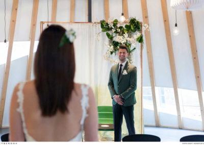 Dave in een groen trouwpak van Rietbergh