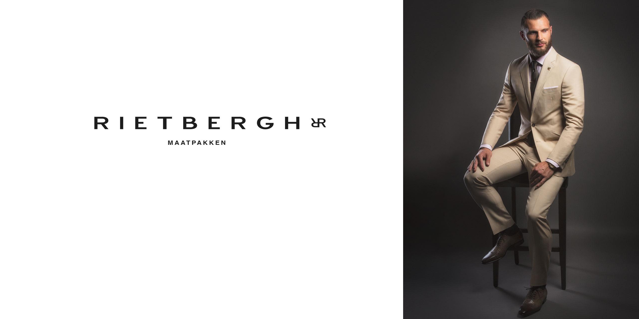 Erik Pieters in een beige maatpak van Rietbergh